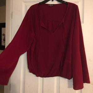 Bell sleeve blouse. Size 2x